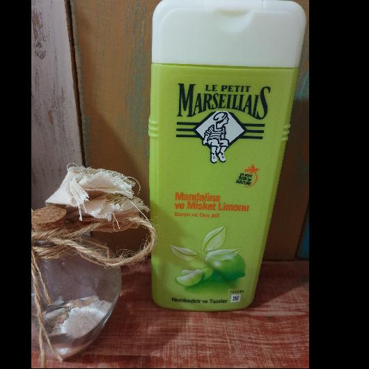 Duş Jeli/Vücut Şampuanı-Le Petit Marseillais-Mandalina ve Misket Limonu Duş Jeli-alins_utopia-yorum-Puan-5puantiye