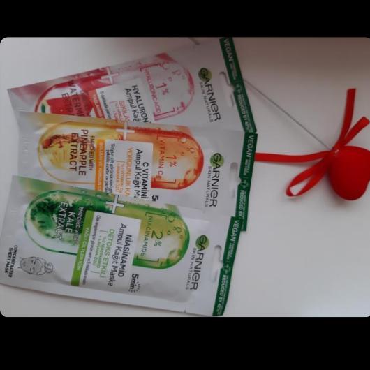 Maske-Garnier Skin Naturals-C Vitamini Yorgunluk Karşıtı Ampul Kağıt Yüz Maskesi-basak01-yorum-Puan-5puantiye