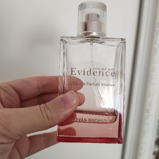 Kadın Parfüm-Yves Rocher-Comme Une Evidence Intense EDP-denebulur_dunyasi-yorum-Puan-5puantiye