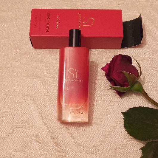 Kadın Parfüm-Giorgio Armani-SI PASSIONE INTENSE EDP-dilek1983-yorum-Puan-5puantiye