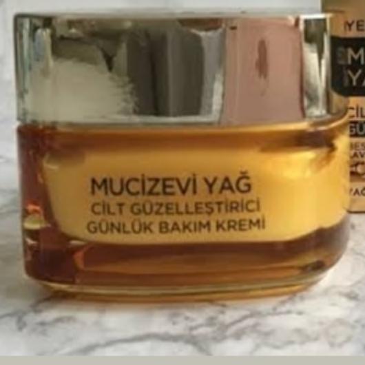 Gündüz Kremi-L'Oréal Paris-Mucizevi Yağ Cilt Güzelleştici Günlük Bakım Kremi-evinblog35-yorum-Puan-5puantiye