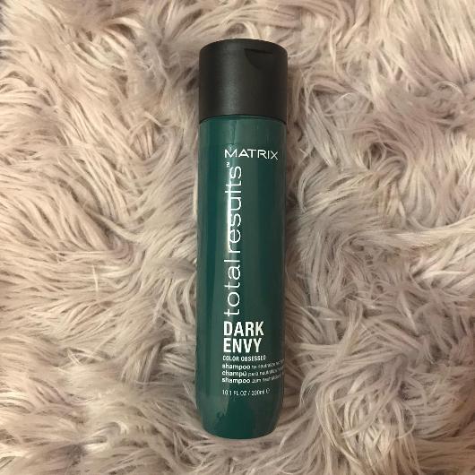 Şampuan-MATRIX TOTAL RESULTS-Dark Envy Siyah, Koyu Kestane ve Kahverengi Saçlar İçin Renk Koruyucu Yeşil Şampuan-gldnpyrz2121-yorum-Puan-5puantiye