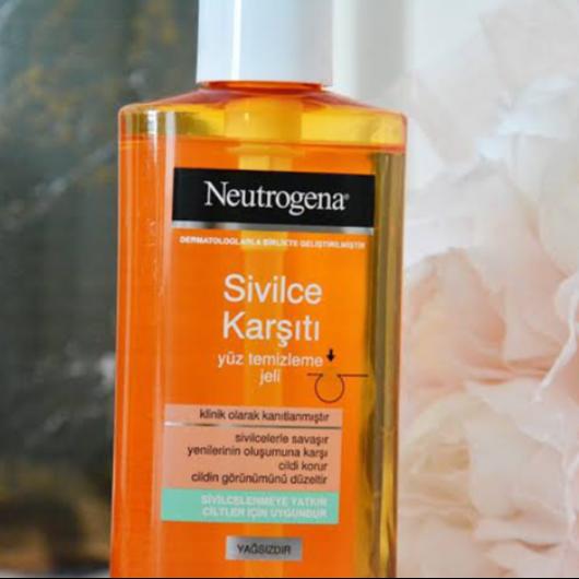 Temizleme Ürünleri-Neutrogena-Sivilce Karşıtı Günlük Temizleme Jeli-mlsdgn43-yorum-Puan-5puantiye