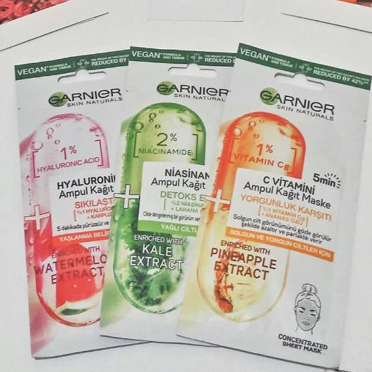 Maske-Garnier Skin Naturals-Hyaluronik Asit Sıkılaştırıcı Ampul Kağıt Yüz Maskesi-mrsblogy-yorum-Puan-5puantiye