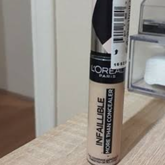 Kapatıcı/Aydınlatıcı/Kontür-L'Oréal Paris Makyaj-Infaillible Tüm Yüze Uygulanabilir Kapatıcı-wbusrayldrm7-yorum-Puan-5puantiye